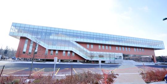 Oakton Building (1)
